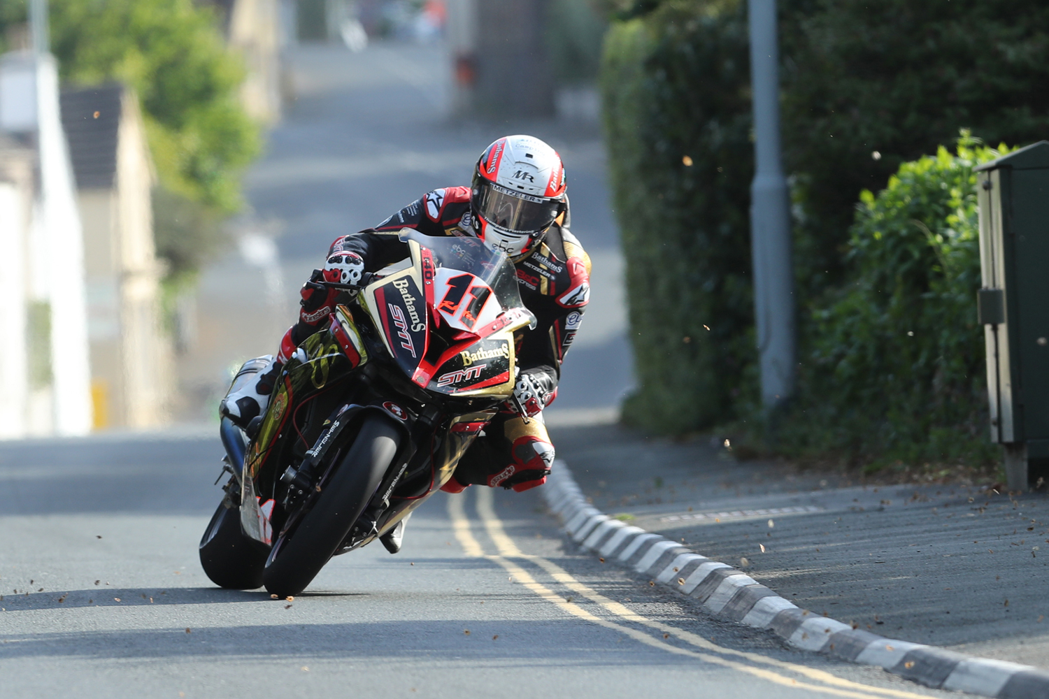 31/05/2017: Michael Rutter (BMW/Bathams SMT Racing) through the village of Kirk Michael during qualifying for the Isle of Man TT. PICTURE BY DAVE KNEEN/PACEMAKER PRESS.