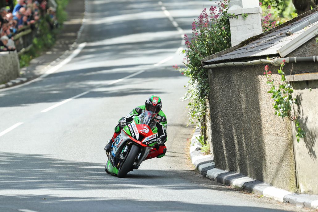 03/06/2017: James Hillier (Kawasaki at Barregarrow during qualifying for the Monster Energy Isle of Man TT. PICTURE BY DAVE KNEEN/PACEMAKER PRESS