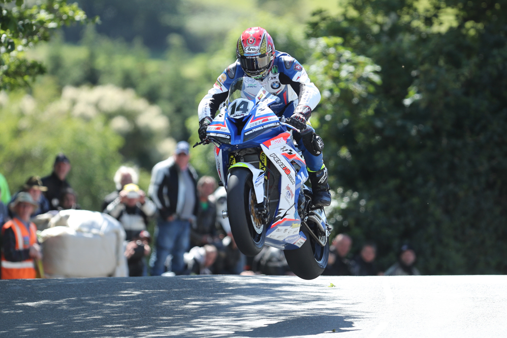 04/06/2017: Dan Kneen (BMW/Penz 13 BMW Motorrad Motorsport) at Ballaugh Bridge during the Isle of Man RST Superbike TT race. PICTURE BY DAVE KNEEN/PACEMAKER PRESS