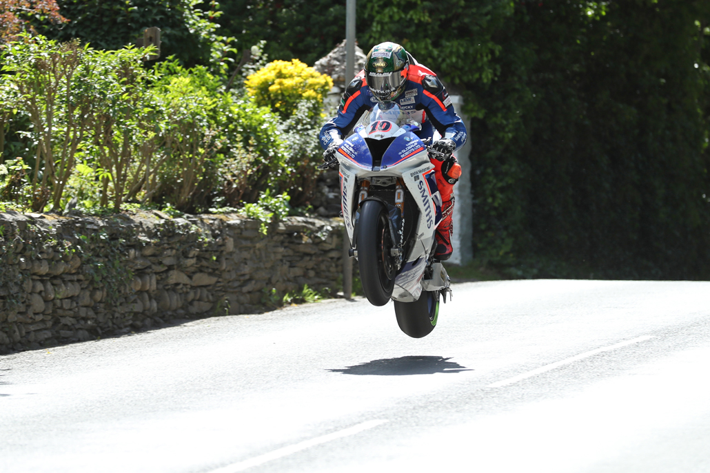 04/06/2017: Peter Hickman (BMW/Smiths Racing) at Ballacrye during the Isle of Man RST Superbike TT race. PICTURE BY DAVE KNEEN/PACEMAKER PRESS