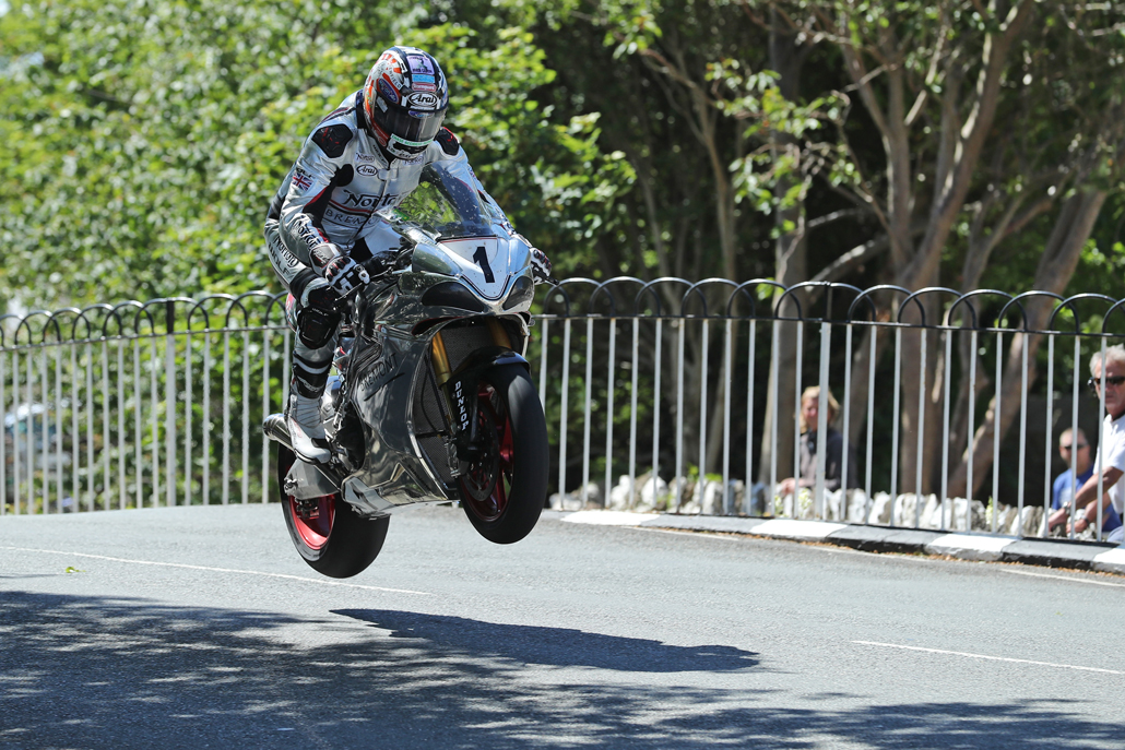 04/06/2017: David Johnson (Norton/Norton Motorcycles) at Ballaugh Bridge during the Isle of Man RST Superbike TT race. PICTURE BY DAVE KNEEN/PACEMAKER PRESS