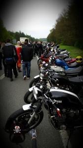 1.Mai Motorradtreffen in Nürnberg, es wird auf dem Standstreifen geparkt. Später ist fast alles zu bis zur Autobahn