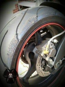 Reifen stark angerauht von der Rennstrecke