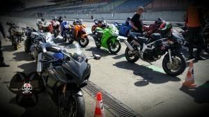 Getting Started Motorräder der Teilnehmer über Speer-Racing
