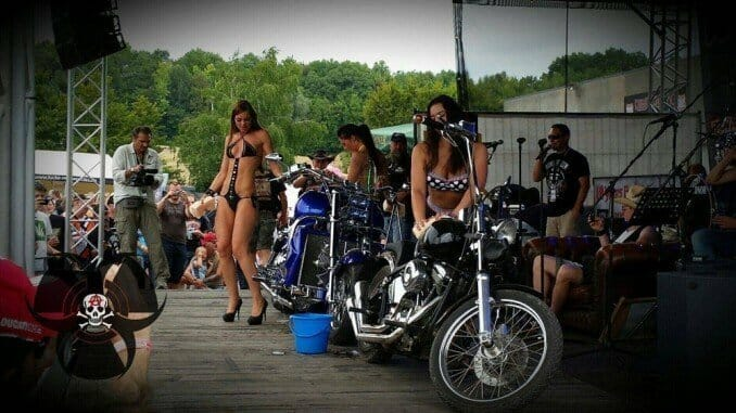Bike-Wash beim Bike & Music Weekend 2014 Geiselwind Strohofer