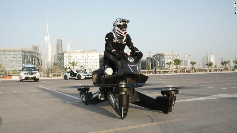 Polizei in Dubai wird mit fliegenden Motorrädern ausgestattet