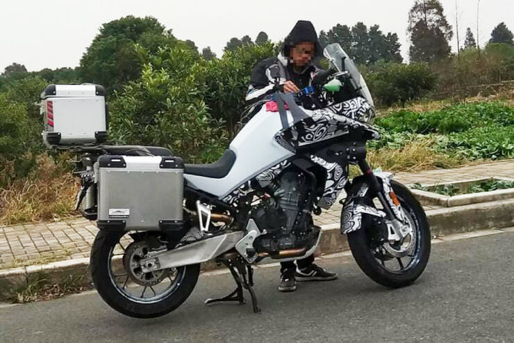First pictures of the CFMoto MT 800 appeared?